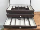 Коробка Jewellery расположенный ярусами кожаный взгляда 4 большая приблизительно 15 дюймов ширины