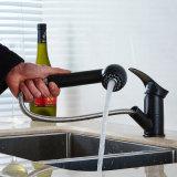 Flg retirent le taraud monté par paquet de sortie de l'eau de robinet de cuisine