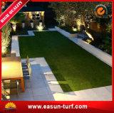 庭のための紫外線抵抗の人工的な草