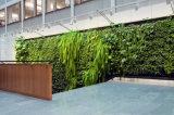Atificialは装飾的な壁のクラフト、偽造品の縦の草の壁の装飾の芸術を植える