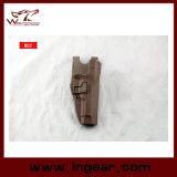 Beretta M92 Blackhawk под кобурой пушки слоя тактической