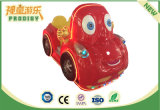 Автомобиль выдвиженческого качания подарков животного участвуя в гонке ягнится игрушки для потехи