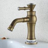 Colpetto Bronze del bacino della stanza da bagno di FLG con la maniglia a cristallo