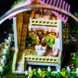 Оптовая миниатюра дома куклы DIY деревянная с светом для домашнего декора