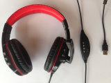 De Goedkope Oortelefoons van de goede Kwaliteit samen met de Hoofdtelefoons van de Sport
