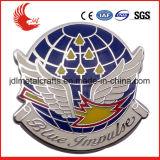 Изготовленный на заказ выбитая нагрудная планка с фамилией участника эмали логоса покрынная металлом мягкая