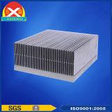 바람 냉각 알루미늄은 열 싱크 또는 방열기 군사력 공급을%s 내밀었다