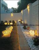 De openlucht Lantaarn van de Kubus van het Beeldhouwwerk van het Zandsteen voor de Decoratie van de Tuin