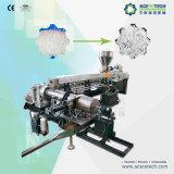 Cruz química que conecta las pelotillas materiales del cable que granulan la máquina