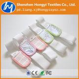 Pannolino del bambino con nastro adesivo elastico del ciclo