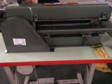Schreibtisch-Typ Fuss-Operations-Schaum-Blatt-aufschlitzende Maschine