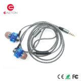 La estereofonia se divierte los auriculares de la caja del metal de Earbuds con la cancelación del ruido