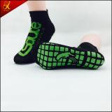Chaussette antidérapage de tremplin de sport d'enfants