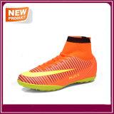 Le football de la mode des hommes en gros chausse des chaussures du football