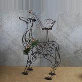 Supports de bougie de pilier de Noël de renne en métal avec le branchement de pin