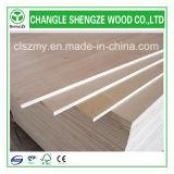 Folha de madeira compensada de 18 mm Okoume