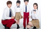 カスタムばねおよび秋の学生服の幼稚園のユニフォームデザインロゴ