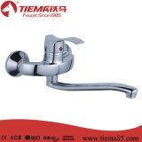Singolo rubinetto della cucina della parete del dispersore della leva di disegno popolare per lavare