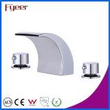 Fyeer衛生製品の倍のハンドルの浴室の滝の口の洗面器のミキサー