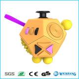 O cubo fresco Dodecagon da inquietação alivia adultos do esforço da ansiedade resolve o presente dos brinquedos do enigma