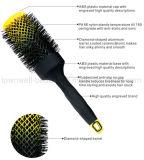 Spazzola di capelli di plastica della maniglia