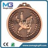 Верхнее качество подгоняло медаль пожалования металла спортов конструкции 3D с античной плакировкой