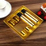 Empaquetage en plastique de PVC de plateau intérieur en plastique neuf d'or pour le produit de beauté