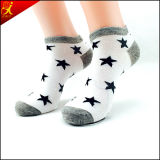 Calcetines blancos de la estrella para el tobillo adulto del desgaste de hombres