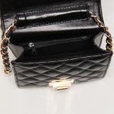 黒いPUの金属のHandbag (A011)回転式バックルの女性