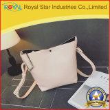 Singola borsa bianca delle donne dell'unità di elaborazione del sacchetto di spalla di modo