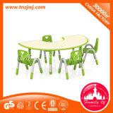 Tabela do miúdo e mobília plásticas da cadeira para o jardim de infância
