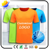 Turndownカラーワイシャツとの綿のTシャツそしてカスタマイズされたロゴカラー