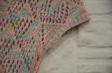 감미로운 소녀 V 목 간결 소매 동점에 의하여 뜨개질을 하는 복장
