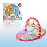 O bebê brinca a esteira da ginástica do jogo do bebê do tapete do jogo (H5749313)