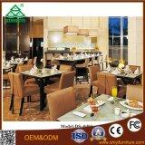 Tabela de jantar real personalizada e jantar do jogo da cadeira