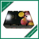 Caixas coloridas da fruta da parte superior e da parte inferior