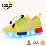 Aangepast LEIDENE LEIDEN van Schoenen Licht op de LEIDENE van de Schoenen van Jonge geitjes Schoenen van de Tennisschoen