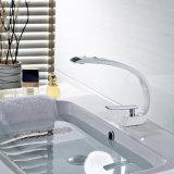 Robinet en laiton de salle de bains de peinture blanche