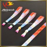 Wristband plástico do fechamento do logotipo feito sob encomenda relativo à promoção dos braceletes