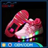 Большинств популярная тапка конька ролика малыша СИД, ботинки колеса USB поручая