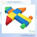 Más populares diferentes diseño Los bloques de construcción de colores / Bloque de madera en China