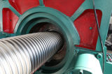 Tubo de metal flexible ondulado que hace la máquina