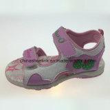 Het OpenluchtStrand Sandals van het kleurrijke Leuke Meisje van de Zomer
