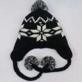 子供の子供のかわいい冬の雪の印刷の暖かい編まれた帽子の屋外のEarflapのかぎ針編みはキャップするヘッド耳のウォーマーのスキー飛行士の帽子(HW617)を