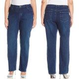 Kundenspezifische Damen plus Größen-gerade Baumwollblaue Denim-Jeans