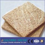 Las lanas de madera pintadas ignifugan el tablero del panel acústico de pared