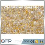 装飾、構築、景色のための磨かれた川の石の黄色の小石の玉石の石
