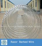 Покрынная PVC сваренная загородка колючей проволоки бритвы