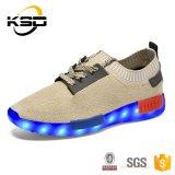 De recentste Speciale Schoenen van de Sport van de Fluorescentie van de Douane met het Laden van de Kabel USB