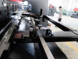 Máquina inferior plateada de metal del freno de la prensa del CNC del mecanismo impulsor de la hoja serva electrohidráulica de Tr10030 Amada
